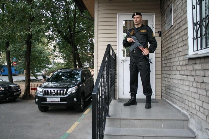 Чтобы работать охранником необходимо обладать определенными навыками, умениями и качествами