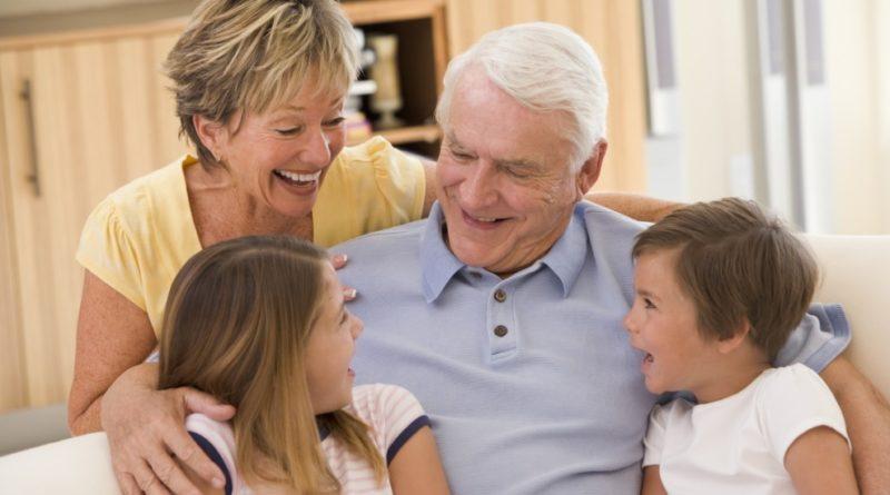 Как получить материальную помощь пенсионеру
