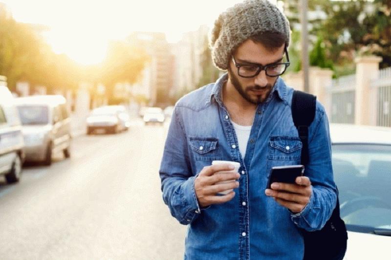 Зарегистрироваться и оплачивать налоги самозанятые смогут через мобильное приложение